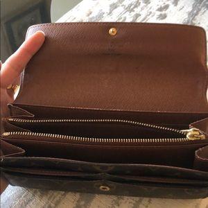 Louis Vuitton Bags - Used Authentic Monogram Louis Vuitton Wallet